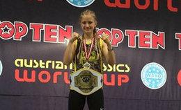 Stella Hemetsberger gewann K1 Juniorenklasse bei Worldcup in Innsbruck